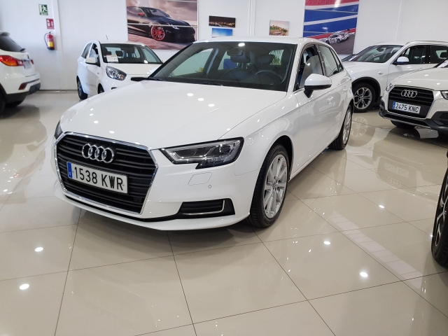 AUDI A3  30TFSI 115CV S tronic 5p. for sale in Malaga - Image 2