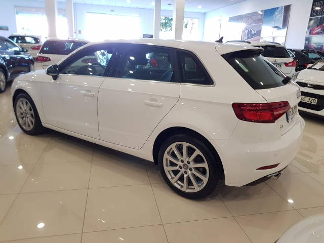 AUDI A3  30TFSI 115CV S tronic 5p. for sale in Malaga - Image 3