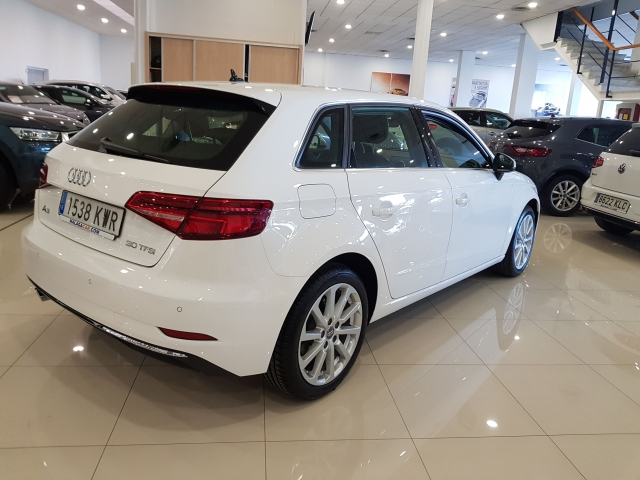 AUDI A3  30TFSI 115CV S tronic 5p. for sale in Malaga - Image 4