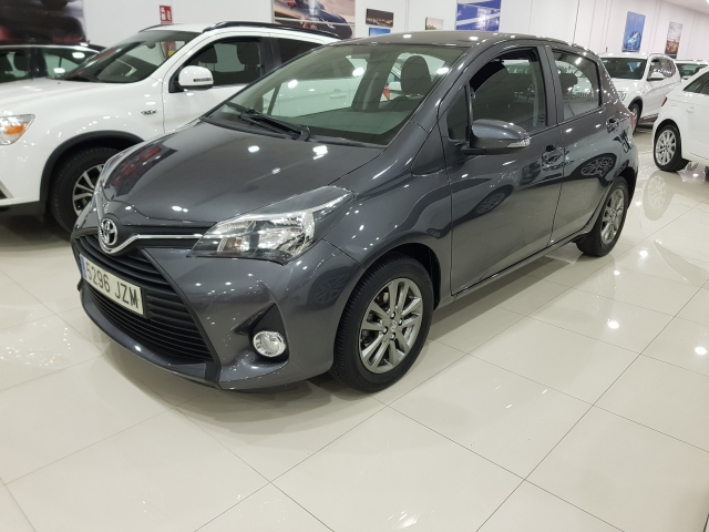 TOYOTA YARIS  70 CITY 5p. for sale in Malaga - Image 2