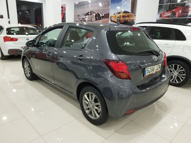 TOYOTA YARIS  70 CITY 5p. for sale in Malaga - Image 3