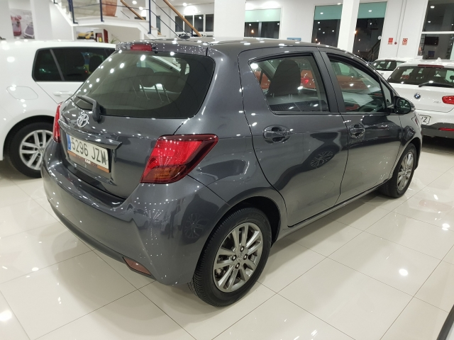 TOYOTA YARIS  70 CITY 5p. for sale in Malaga - Image 4
