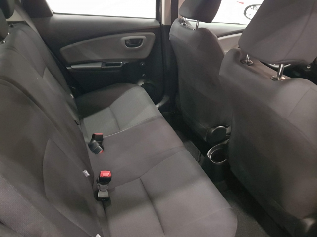 TOYOTA YARIS  70 CITY 5p. for sale in Malaga - Image 5