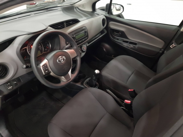 TOYOTA YARIS  70 CITY 5p. for sale in Malaga - Image 8
