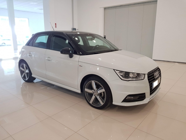 AUDI A1  Sportback 1.4 TDI 90CV Attracted 5p. for sale in Malaga - Image 2