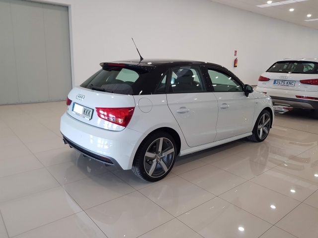 AUDI A1  Sportback 1.4 TDI 90CV Attracted 5p. for sale in Malaga - Image 3
