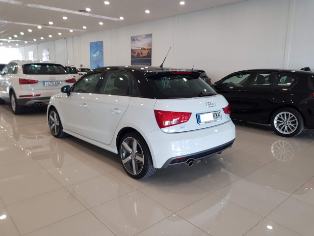 AUDI A1  Sportback 1.4 TDI 90CV Attracted 5p. for sale in Malaga - Image 4