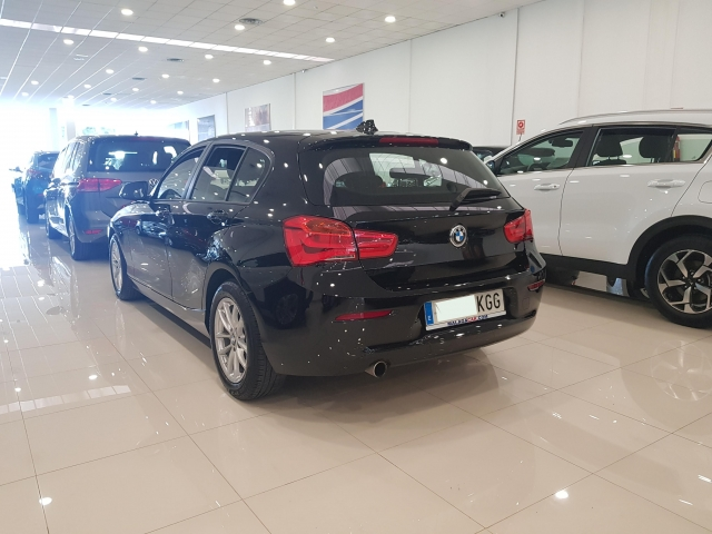 BMW SERIE 1  116i 5p. de ocasión en Málaga - Foto 3