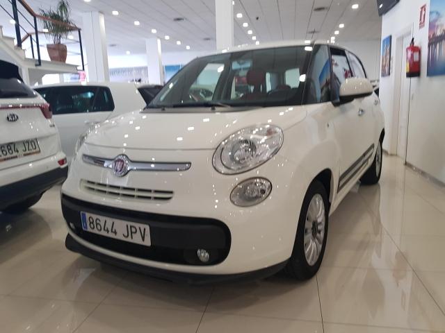 FIAT 500L  Pop Star 1.3 16v 95CV 5p. for sale in Malaga - Image 1