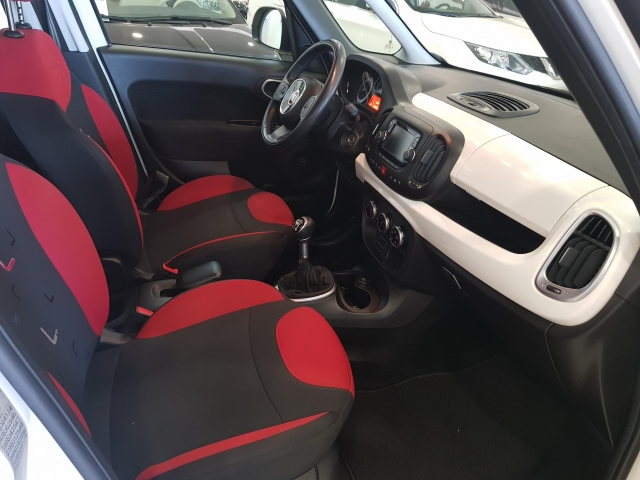 FIAT 500L  Pop Star 1.3 16v 95CV 5p. for sale in Malaga - Image 5