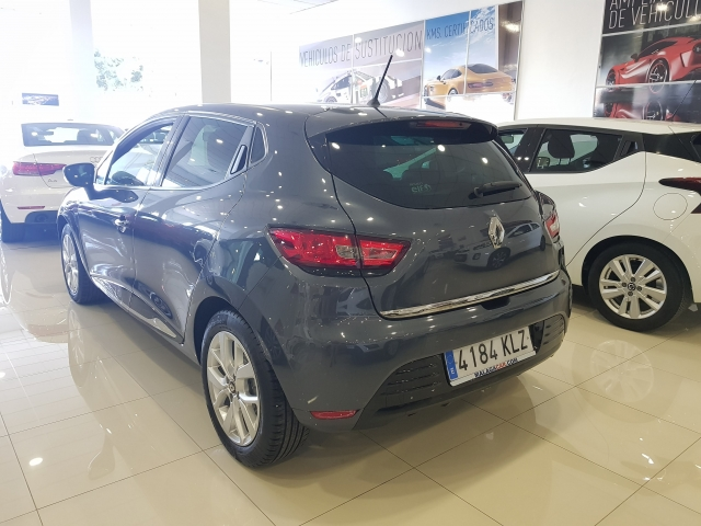 RENAULT Clio  Limited TCe 66kW 90CV 5p. for sale in Malaga - Image 3