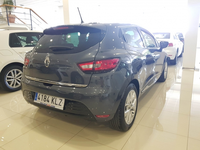 RENAULT Clio  Limited TCe 66kW 90CV 5p. for sale in Malaga - Image 4