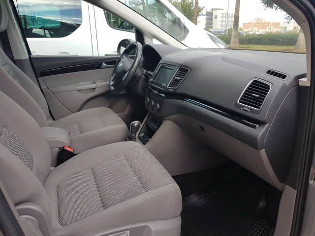 SEAT ALHAMBRA  2.0 TDI 150 Reference Plus 5p. for sale in Malaga - Image 7