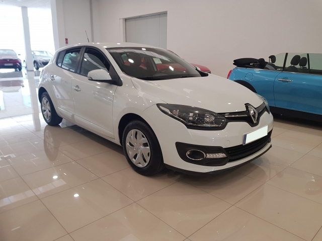 RENAULT MEGANE Intens dCi 95 eco2 5p. for sale in Malaga - Image 1
