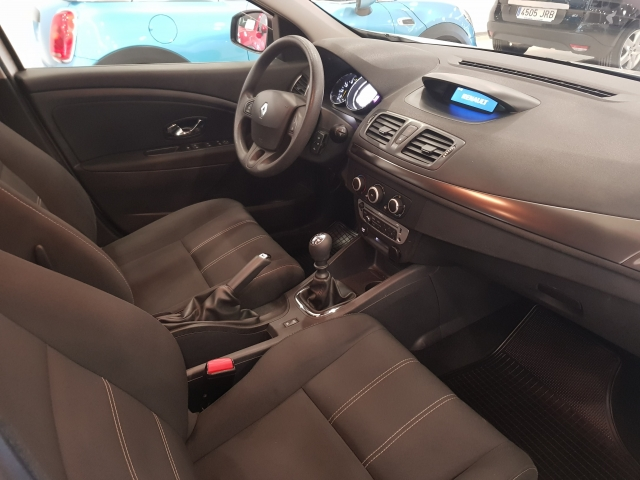 RENAULT MEGANE Intens dCi 95 eco2 5p. for sale in Malaga - Image 7