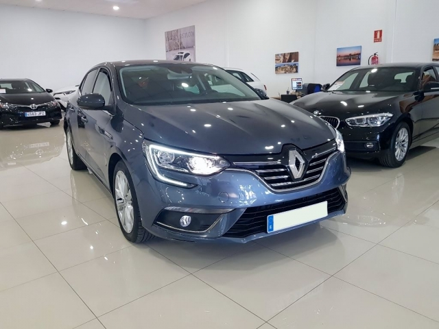 RENAULT MEGANE Zen Energy TCe 97kW 130CV 5p. for sale in Malaga - Image 1