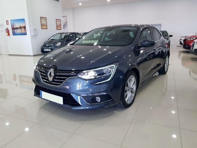 RENAULT MEGANE Zen Energy TCe 97kW 130CV 5p. for sale in Malaga - Image 2