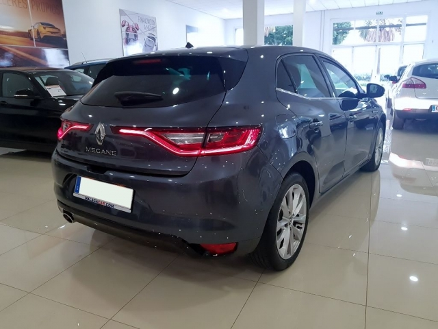 RENAULT MEGANE Zen Energy TCe 97kW 130CV 5p. for sale in Malaga - Image 4
