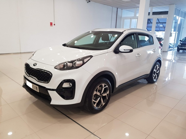 KIA SPORTAGE  1.6 CRDi VGT Bus. 4x2  5p. for sale in Malaga - Image 2