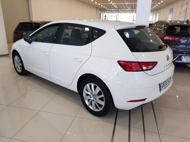 SEAT LEON 1.2 TSI 81kW StSp Reference Plus 5p. for sale in Malaga - Image 3