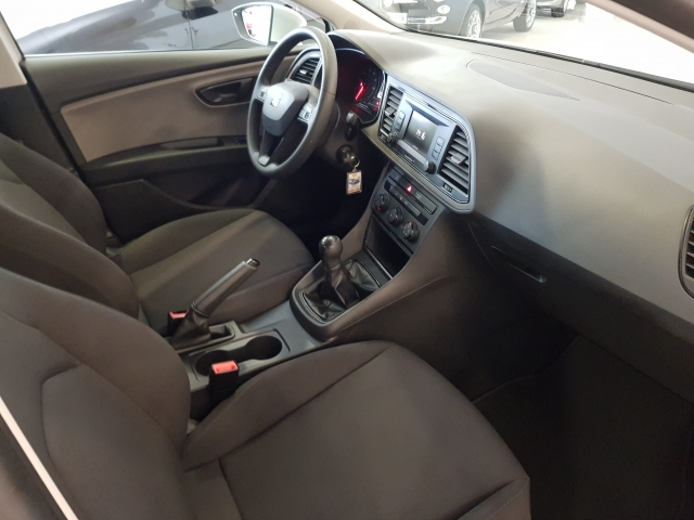 SEAT LEON 1.2 TSI 81kW StSp Reference Plus 5p. for sale in Malaga - Image 7