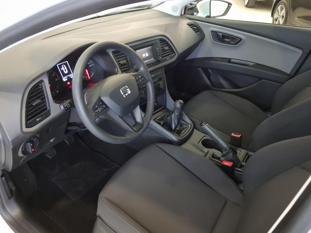 SEAT LEON 1.2 TSI 81kW StSp Reference Plus 5p. for sale in Malaga - Image 8