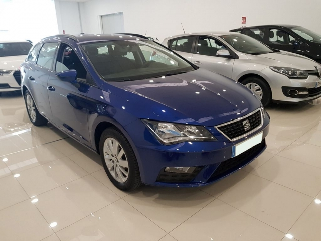 SEAT LEON León ST 1.2 TSI 81kW 110CV StSp Reference 5p. for sale in Malaga - Image 1