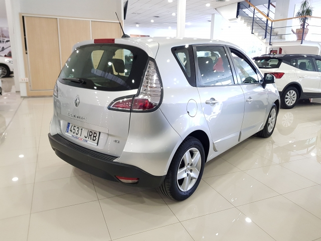 RENAULT SCENIC Scénic Selection dCi 95 eco2 5p. for sale in Malaga - Image 4
