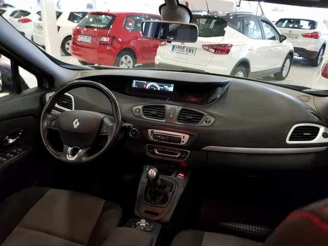 RENAULT SCENIC Scénic Selection dCi 95 eco2 5p. for sale in Malaga - Image 6