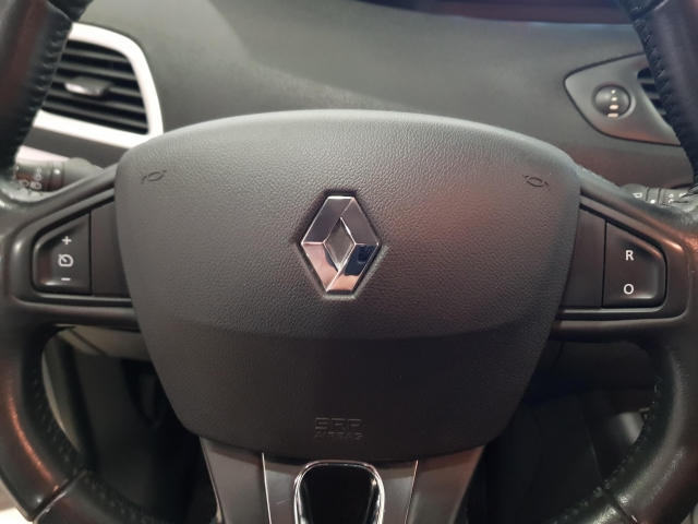 RENAULT SCENIC Scénic Selection dCi 95 eco2 5p. for sale in Malaga - Image 11