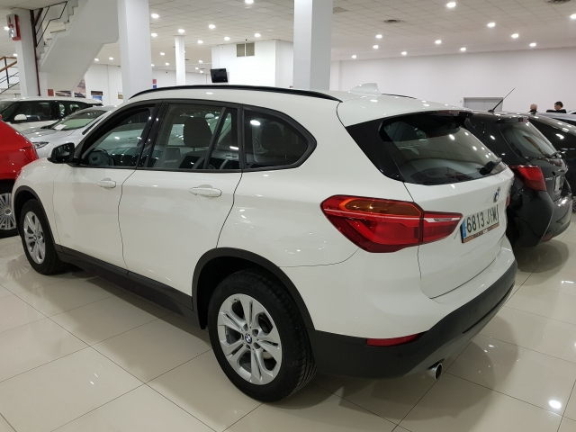 BMW X1  sDrive18d Advance5p. for sale in Malaga - Image 3