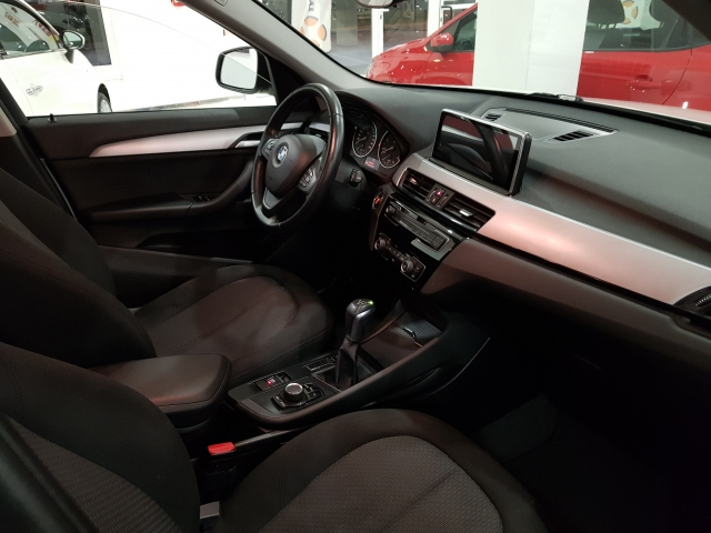 BMW X1  sDrive18d Advance5p. for sale in Malaga - Image 7