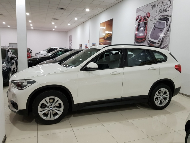BMW X1  sDrive18d Advance5p. for sale in Malaga - Image 2