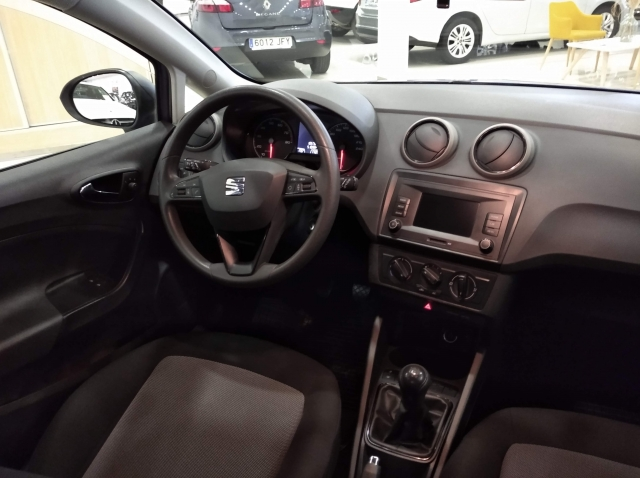 SEAT IBIZA  1.0 75cv Reference 5p. for sale in Malaga - Image 6