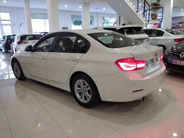 BMW SERIE 3  318d 4p. de ocasión en Málaga - Foto 3