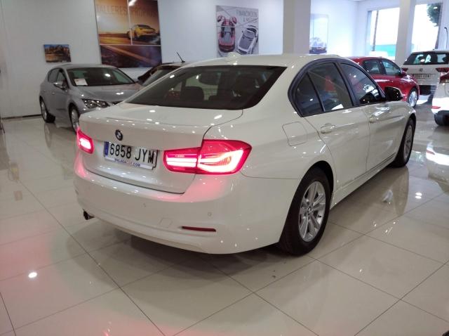 BMW SERIE 3  318d 4p. de ocasión en Málaga - Foto 4