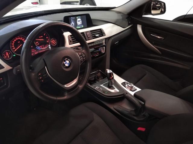 BMW SERIE 3  318d 4p. de ocasión en Málaga - Foto 8