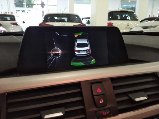 BMW SERIE 3  318d 4p. de ocasión en Málaga - Foto 9