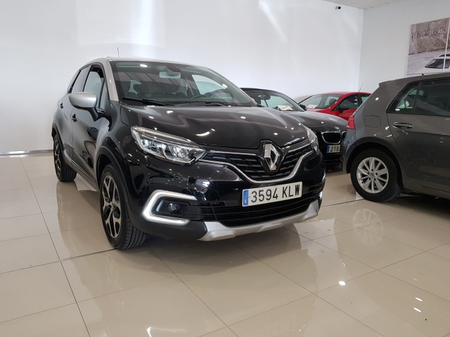 RENAULT Captur  Zen TCe 66kW 90CV eco2 5p. for sale in Malaga - Image 1
