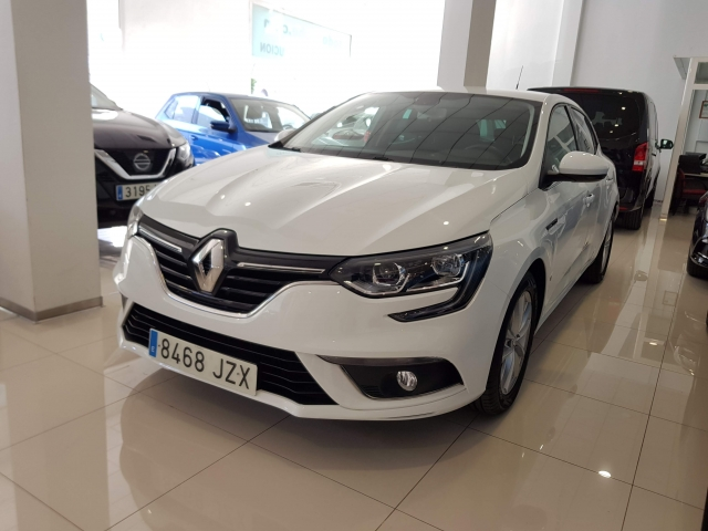RENAULT MEGANE Mégane Intens Energy TCe 100 5p. for sale in Malaga - Image 2