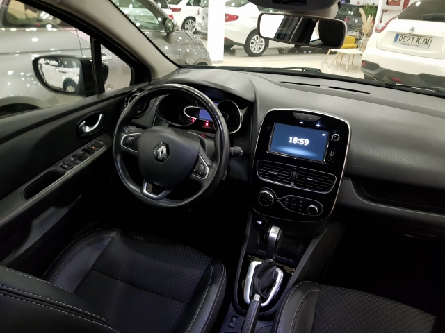 RENAULT CLIO  Zen Energy TCe 87kW 120CV EDC 5p. for sale in Malaga - Image 6