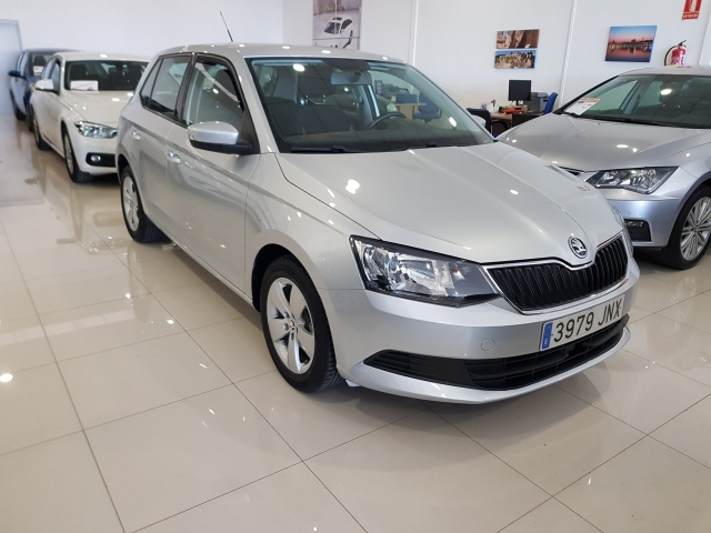 SKODA FABIA  1.0 MPI 75cv Ambition 5p. for sale in Malaga - Image 1