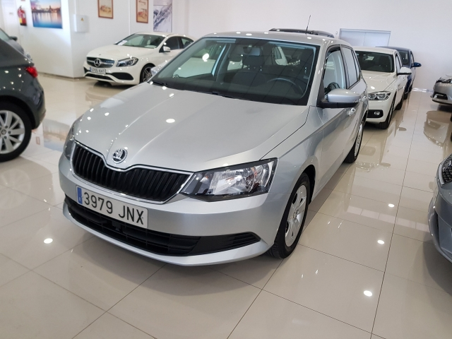 SKODA FABIA  1.0 MPI 75cv Ambition 5p. for sale in Malaga - Image 2