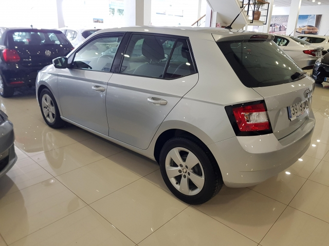 SKODA FABIA  1.0 MPI 75cv Ambition 5p. for sale in Malaga - Image 3