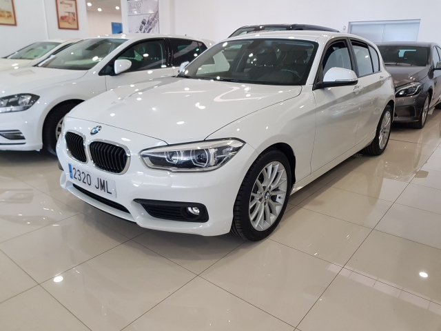 BMW SERIE 1  116d EfficientDynamics 5p. for sale in Malaga - Image 2