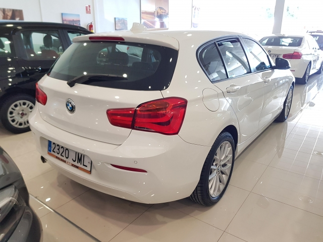 BMW SERIE 1  116d EfficientDynamics 5p. for sale in Malaga - Image 4