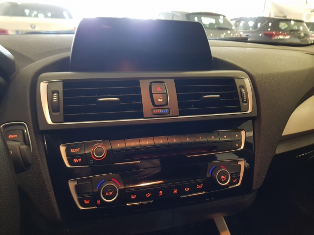 BMW SERIE 1  116d EfficientDynamics 5p. for sale in Malaga - Image 11