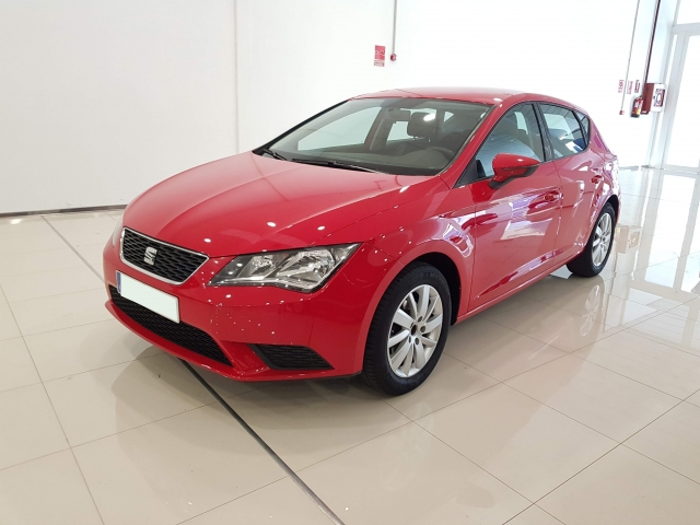 SEAT LEON León 1.2 TSI 110cv StSp Reference 5p. for sale in Malaga - Image 2