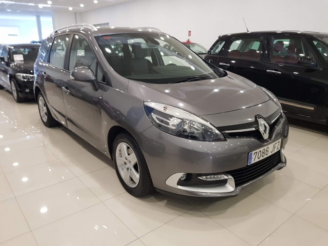 RENAULT GRAND  Scénic Selection  dCi 110 eco2 5p 5p. used car in Malaga