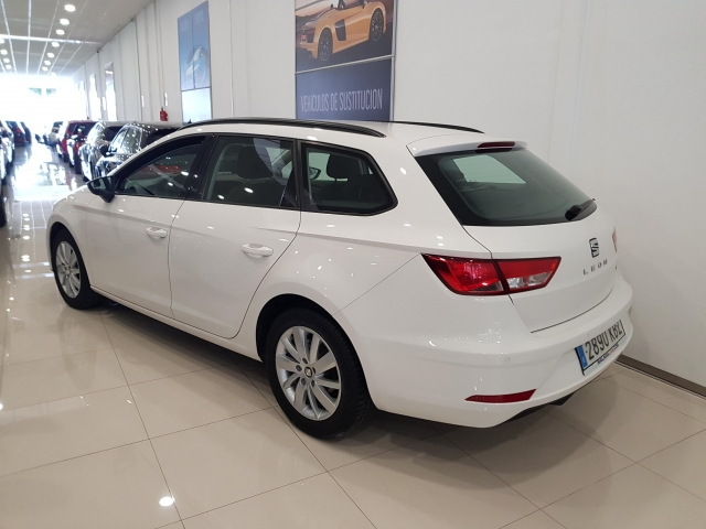 SEAT LEON León ST 1.2 TSI 81kW 110CV StSp Reference 5p. for sale in Malaga - Image 3